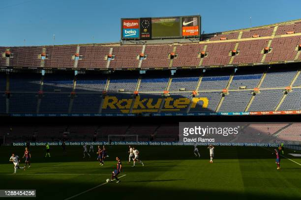 General view of the action during the La Liga Santander match between FC Barcelona and C.A. Osasuna at Camp Nou on November 29, 2020 in Barcelona,...