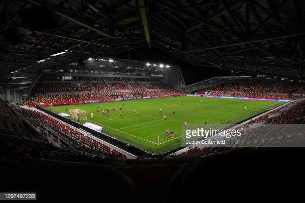 General view of the action during the Sky Bet Championship match between Brentford and Luton Town at Brentford Community Stadium on January 20, 2021...