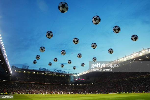 A general view of the action during the UEFA Champions League Final match between Juventus FC and AC Milan on May 28 2003 at Old Trafford in...