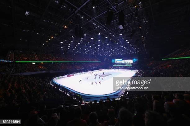 A general view of the action during the Womens 5000m relay finals race during day two of ISU World Short Track Championships at Rotterdam Ahoy Arena...