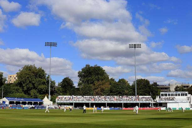 GBR: Essex v Surrey - Specsavers County Championship - Day Three