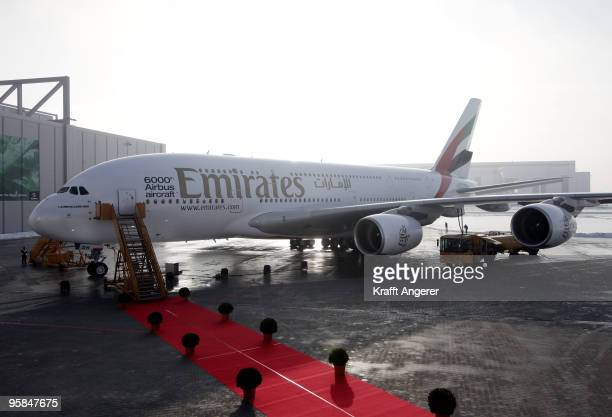 General view of the Airbus A380 before the HSV team hands over the A380 to the Emirates Airline on January 18 2010 in Hamburg GermanyThe world's...