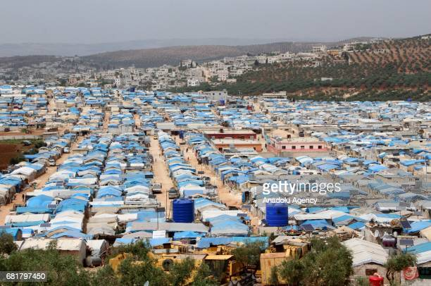 A general view of the al Kamara camp for internally displaced people where the Syrians fled Assad regime forces' attacks settled in Idlib northen...