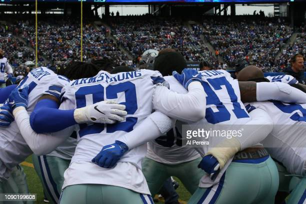 General view of the allin huddle of the Dallas Cowboys against the New York Giants at MetLife Stadium on December 30 2018 in East Rutherford New...