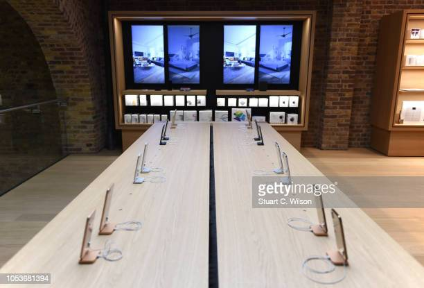 General view of the Apple Covent Garden reopening and iPhone XR launch at Apple store Covent Garden on October 26 2018 in London England