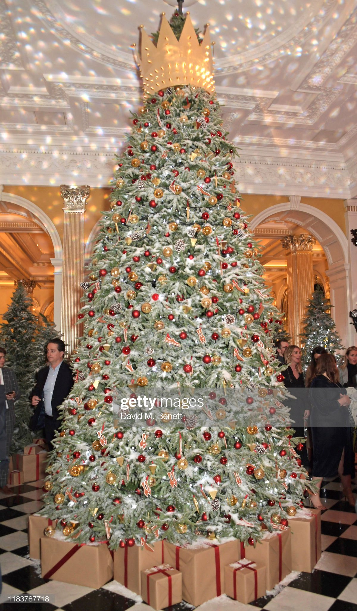 https://media.gettyimages.com/photos/general-view-of-the-atmosphere-at-the-launch-of-the-claridges-tree-picture-id1183787718?s=2048x2048