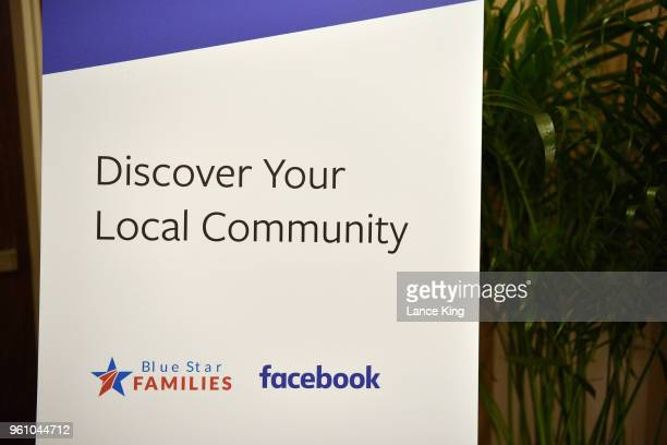 finding a job community wherever you are by facebook ストックフォト