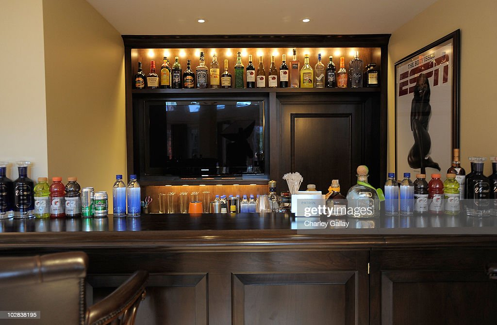 Bon If You Have A Bar In Your Home, Itu0027s Probably One Of Your Favorite Features  In The Entire House. Not Only Does Having Your Own Bar Save You From Having  To ...