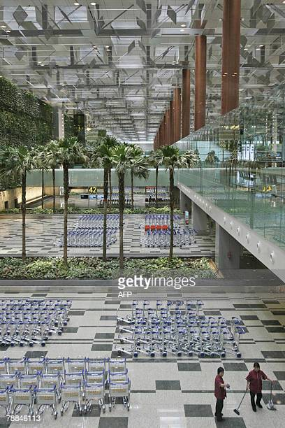 A general view of the baggage claim area of Changi International Airport Terminal 3 in Singapore 09 January 2008 Singapore opened its largest and...