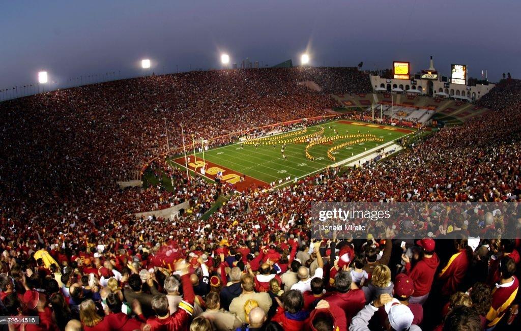 Notre Dame v USC : News Photo
