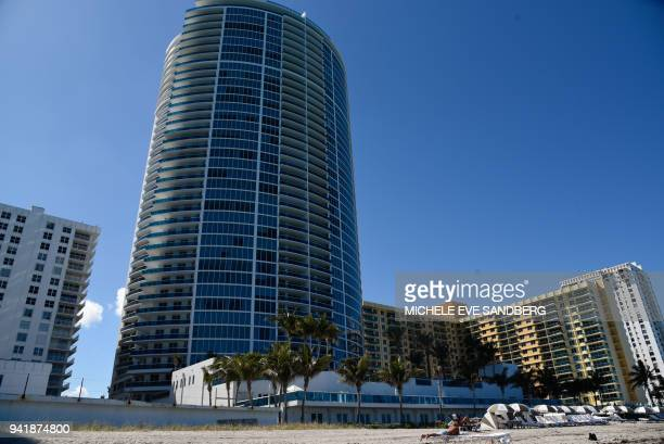 General view of the beach side of Trump Hollywood in Hollywood Florida on April 3 2018 / AFP PHOTO / Michele Eve Sandberg