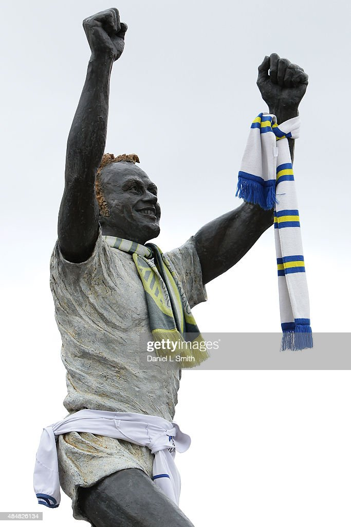 A general view of the Billy Bremner statue at Elland Road stadium prior to the Sky Bet Championship match between Leeds United and Sheffield Wednesday at Elland Road on August 22, 2015 in Leeds, England.