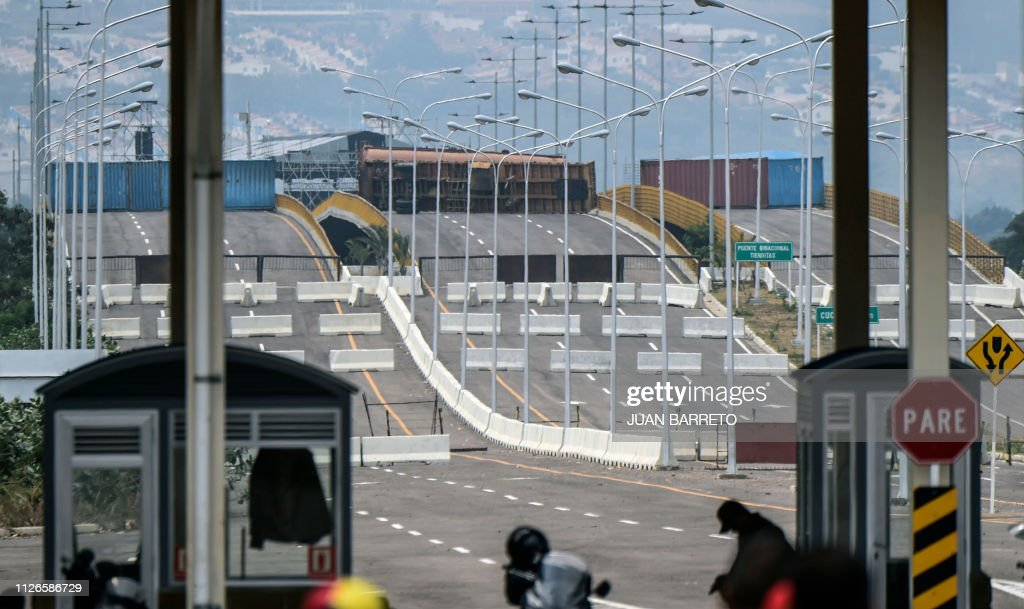 VENEZUELA-COLOMBIA-CRISIS-BORDER : News Photo