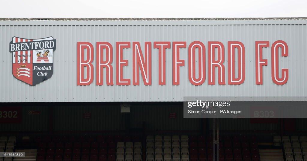 Brentford v Newcastle United - Sky Bet Championship - Griffin Park : News Photo