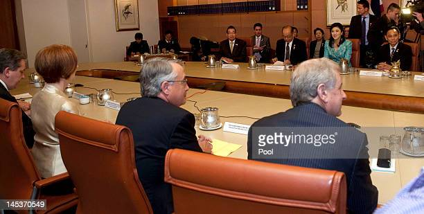 General view of the cabinet meeting between Australian Prime Minister Julia Gillard and Prime Minister of Thailand Ms Yingluck Shanawatra at...