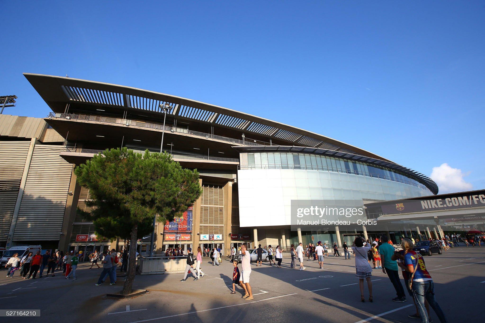 Football - La Liga - FC Barcelona vs Elche CF : ニュース写真