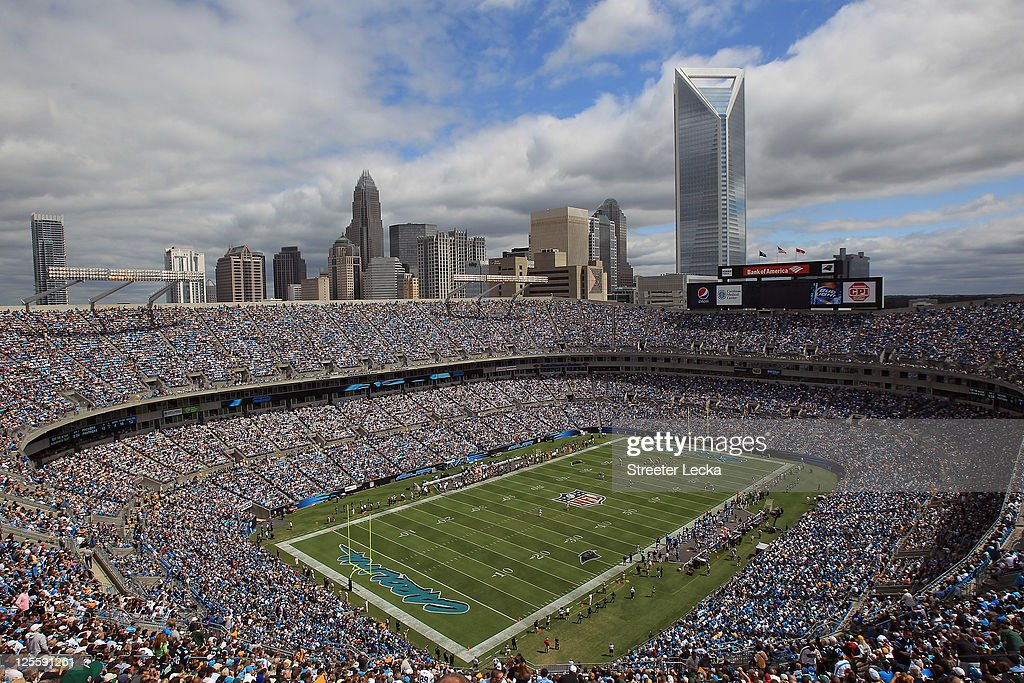 A general view of the Carolina Panthers versus Green Bay Packers during their game at Bank of America Stadium on September 18, 2011 in Charlotte, North Carolina.