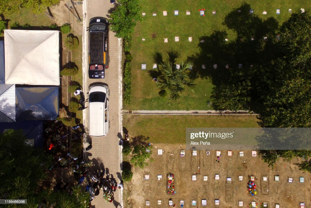 Funeral Held For Migrant Father And Daughter Who Drowned While Crossing River Into U.S : News Photo