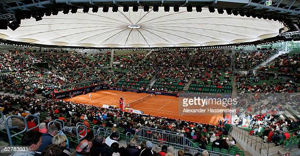 A general view of the center court during the Masters Series Hamburg at Rothenbaum on May 10 2005 in Hamburg Germany