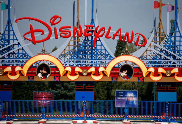 FRA: Disneyland Paris Remains Closed While France Eases Lockdown