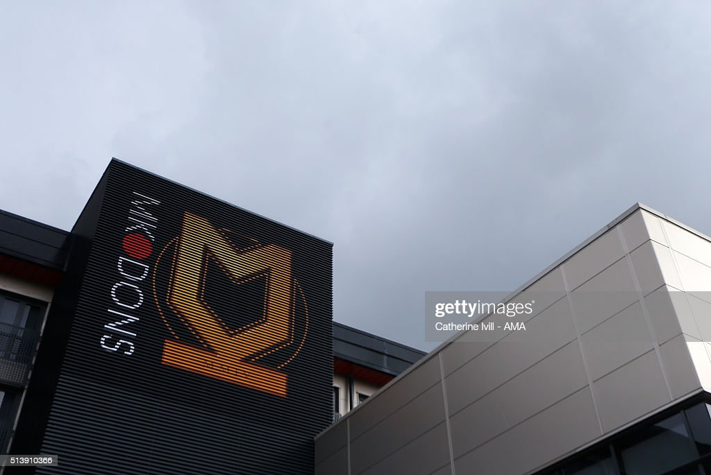 Milton Keynes Dons v Queens Park Rangers - Sky Bet Championship : News Photo