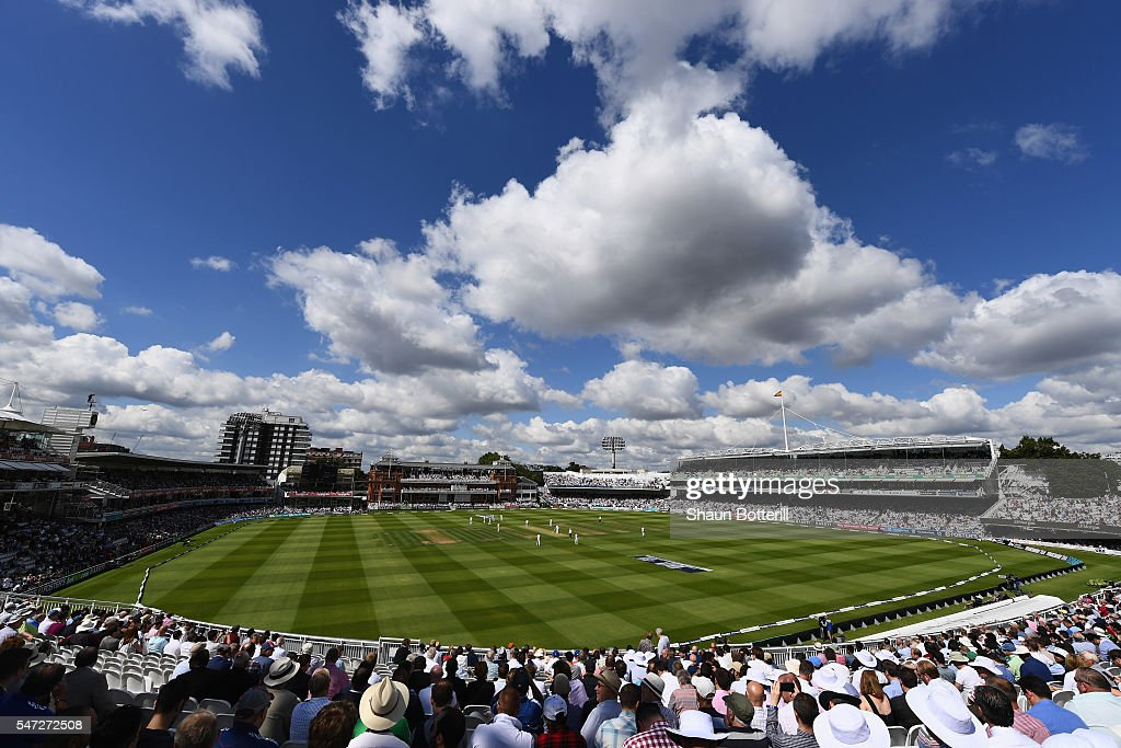 England v Pakistan: 1st Investec Test - Day One : News Photo
