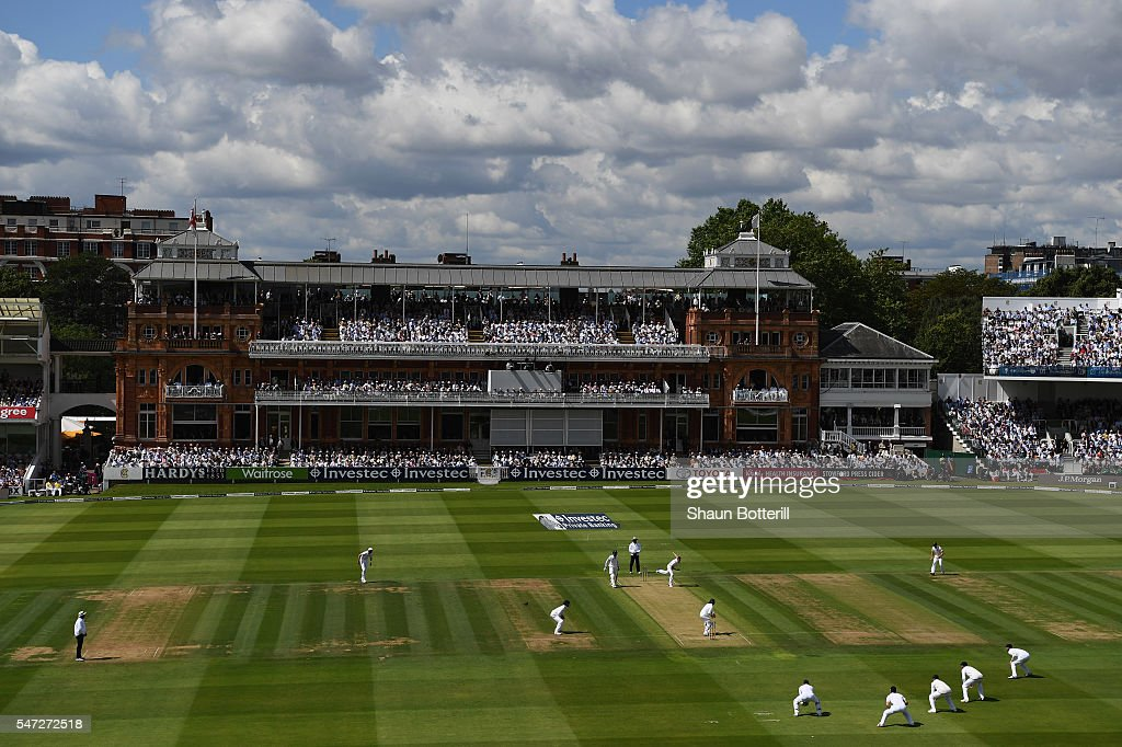 England v Pakistan: 1st Investec Test - Day One : News Photo