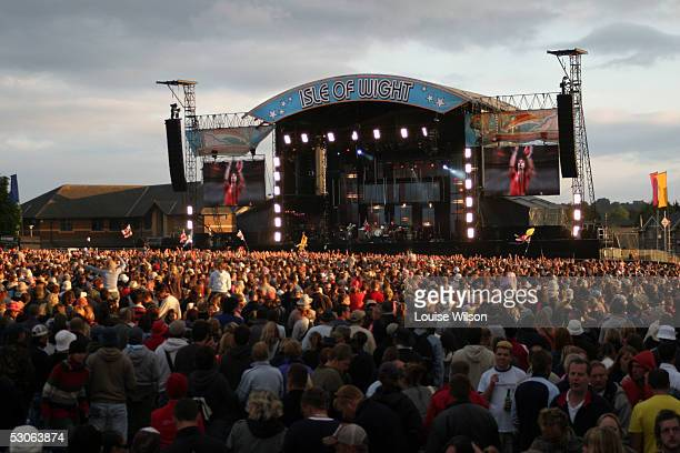 General view of the crowd and stage during the Third day of the 2005 Nokia Isle of Wight Festival in Seaclose Park on June 12 2005 in Newport Isle of...