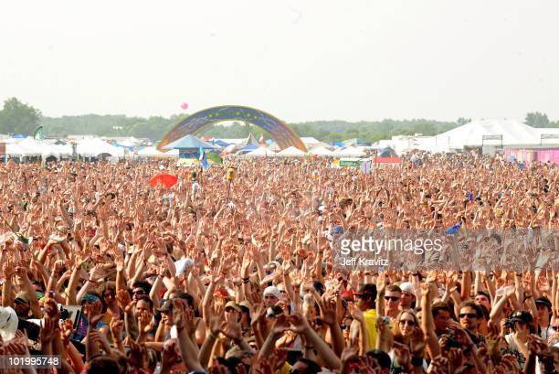 A general view of the crowd as Damian Marley Nas perform onstage during Bonnaroo 2010 at What Stage on June 11 2010 in Manchester Tennessee