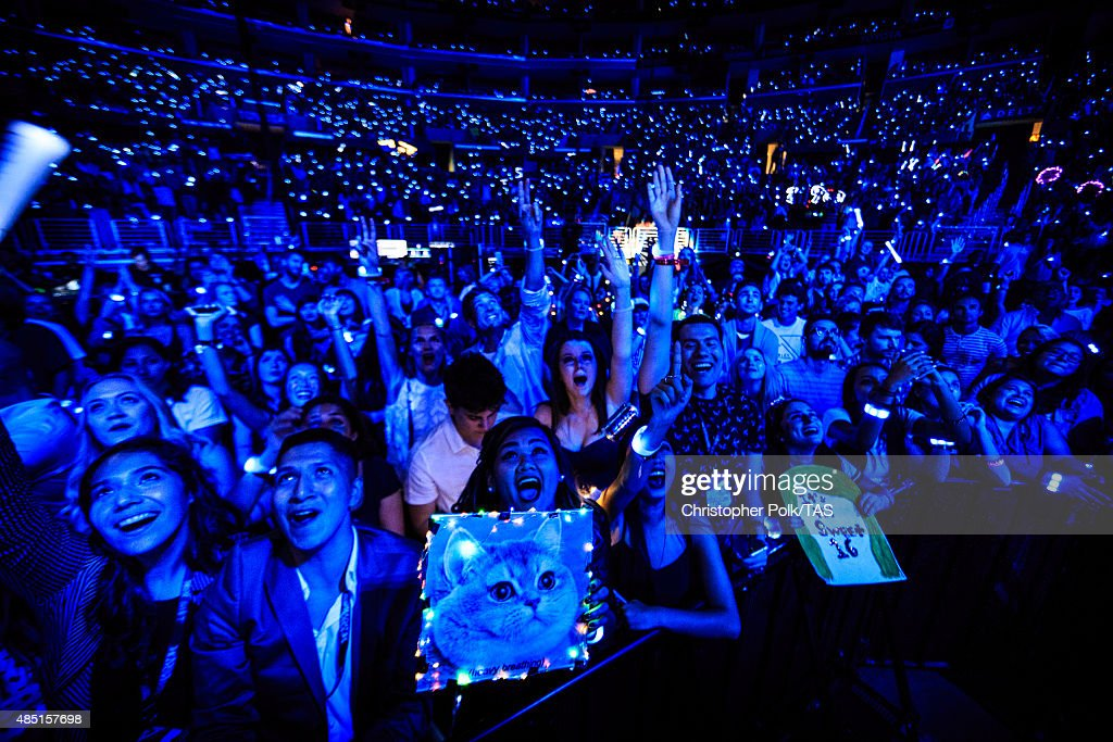 A General View Of The Crowd During Taylor Swift The 1989 World Tour News Photo Getty Images