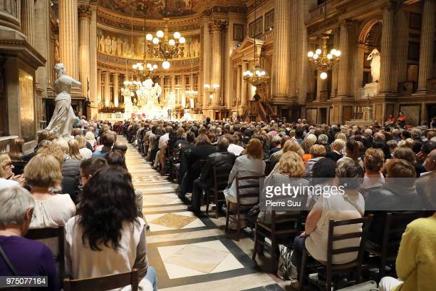 General view of the crowd during the tribute to Johnny Hallyday at Eglise De La Madeleine on June 15 2018 in Paris France