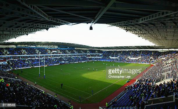 General view of the crowd in the Madejski Stadium as it reaches a record attendance for fans at a rugby union game during the Zurich Premiership...