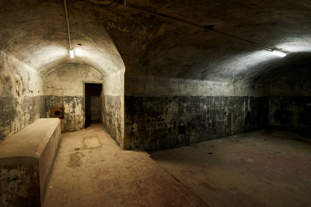 ESP: El Capricho's Bunker Reopens To The Public In Madrid