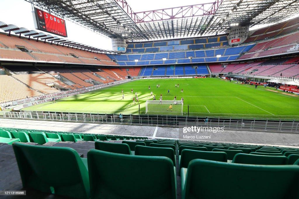 AC Milan v Genoa CFC - Serie A : Foto di attualità