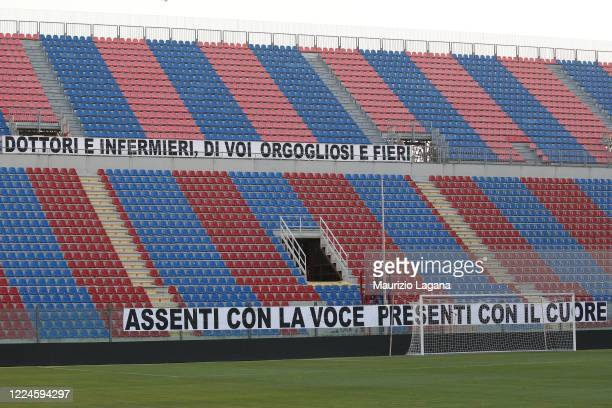 General view of the empty stadium with a sign in tribute to healthcare workers during the Serie B match between FC Crotone and Benevento Calcio at...