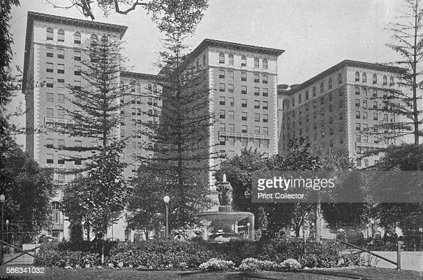 General view of the exterior Los AngelesBiltmore Hotel Los Angeles California 1923 Designed by Schultze and Weaver the hotel opened in 1923 At the...
