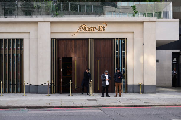 GBR: Nusr-Et, New London Steakhouse From 'Salt Bae'