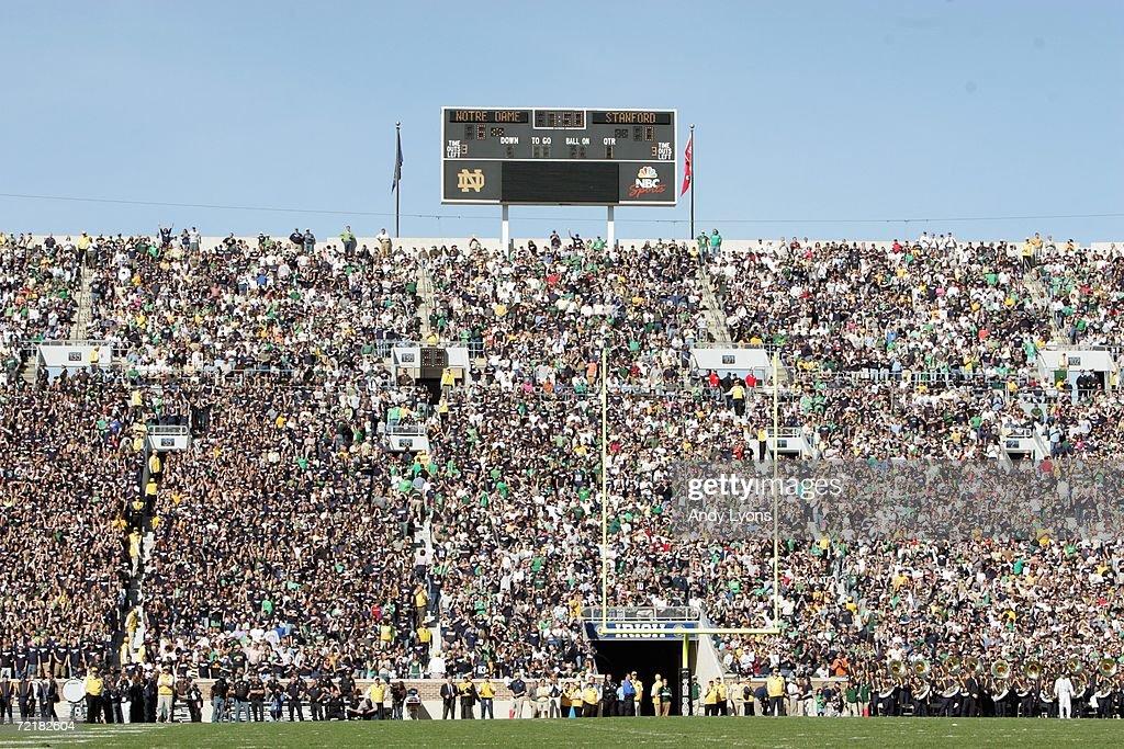 Stanford v Notre Dame : ニュース写真