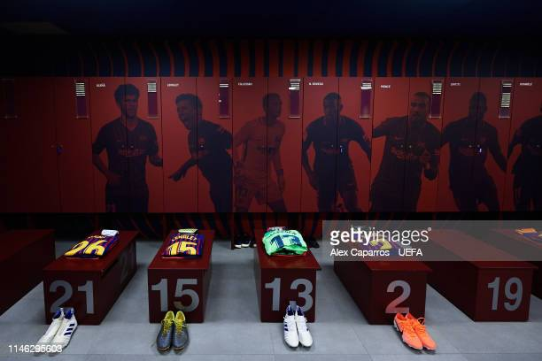 General view of the FC Barcelona dressing room ahead of the UEFA Champions League Semi Final first leg match between Barcelona and Liverpool at Camp...