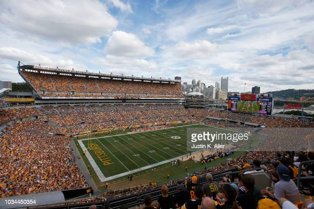 A general view of the field during the game between the Pittsburgh Steelers and the Kansas City Chiefs at Heinz Field on September 16 2018 in...