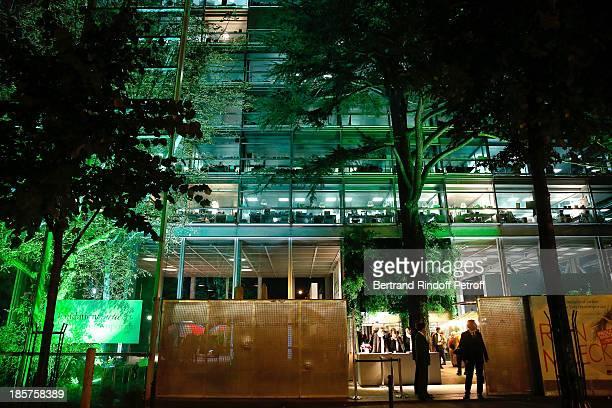 A general view of the 'Fondation Cartier pour L'Art Contemporain' in Paris whyle the 'Ron Mueck' Exhibition Closing Night on October 24 2013 in Paris...