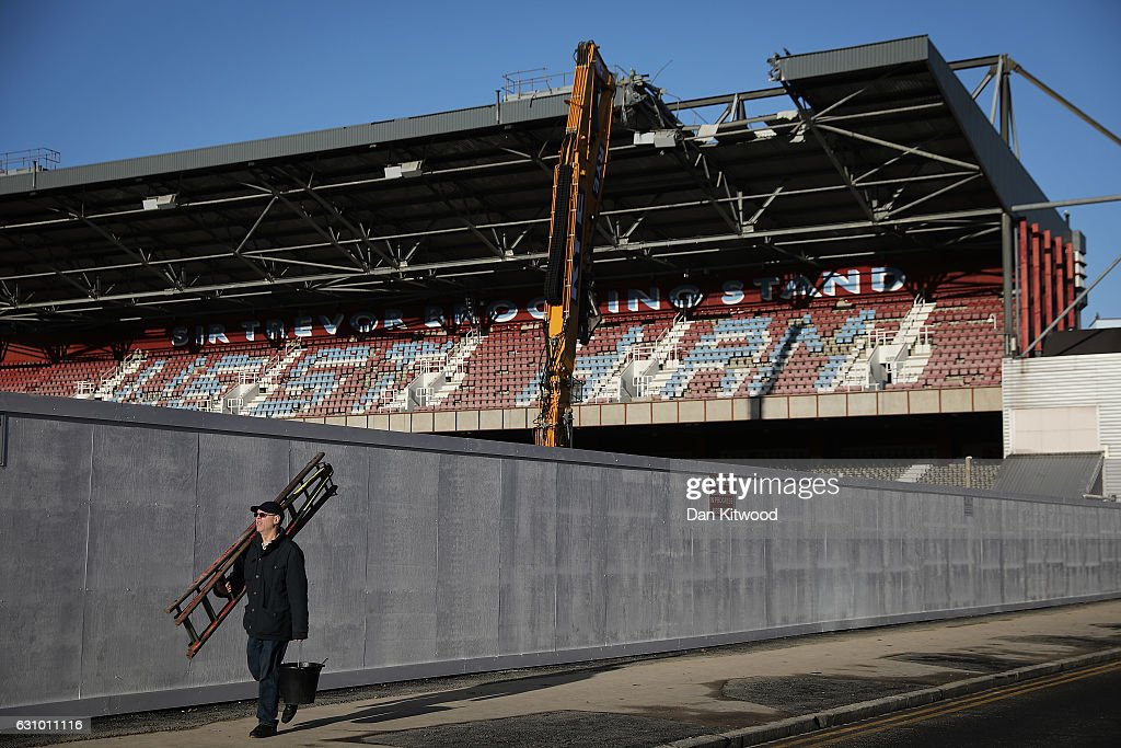 West Ham's Boleyn Ground Is Demolished