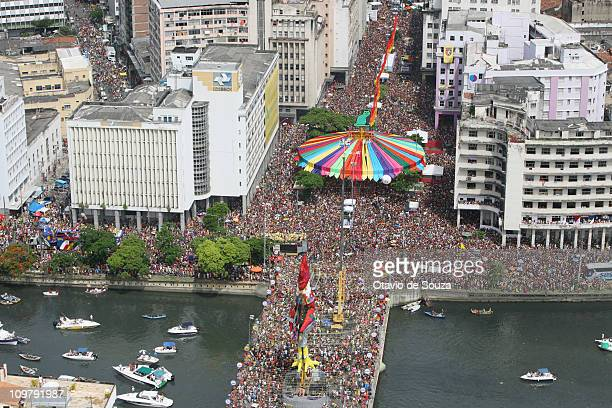 General view of the Galo da Madrugada the biggest Carnival parade on earth during 2011 carnival celebrations on March 05 2011 in Recife Brazil