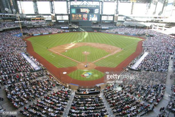 A general view of the game between Team USA vs Mexico is in progress at the 2006 World Baseball Classic on March 7 2006 at Chase Field in Phoenix...