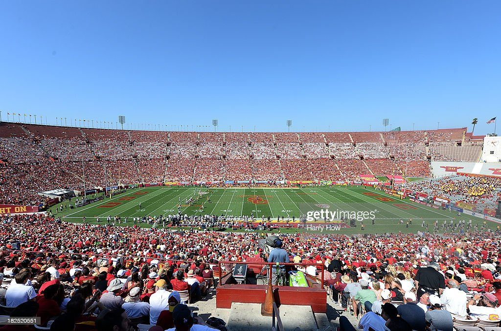 General view of the game between the at the Los Angeles Memorial Coliseum on September 21, 2013 in Los Angeles, California.