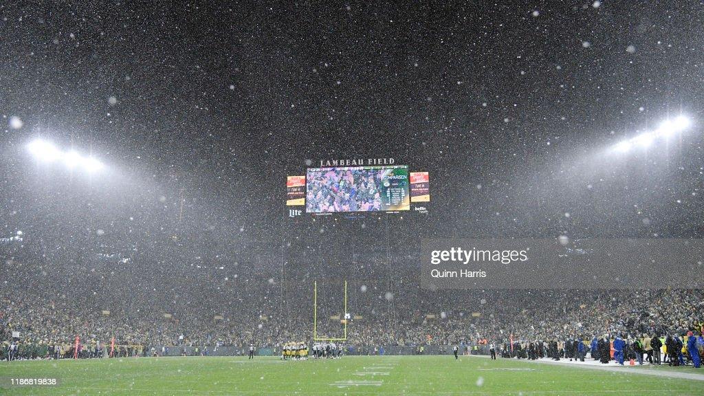 Carolina Panthers vGreen Bay Packers : News Photo