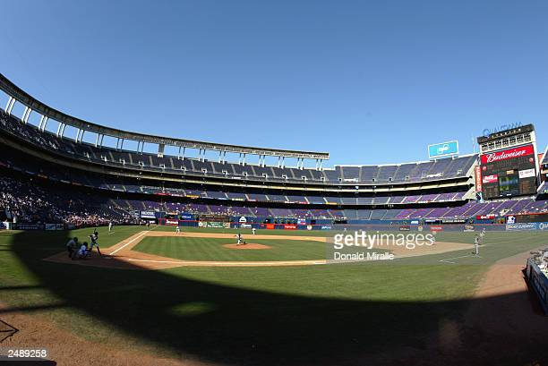 General view of the game between the San Diego Padres and the Arizona Diamondbacks at Qualcomm Stadium on September 3, 2003 in San Diego, California....