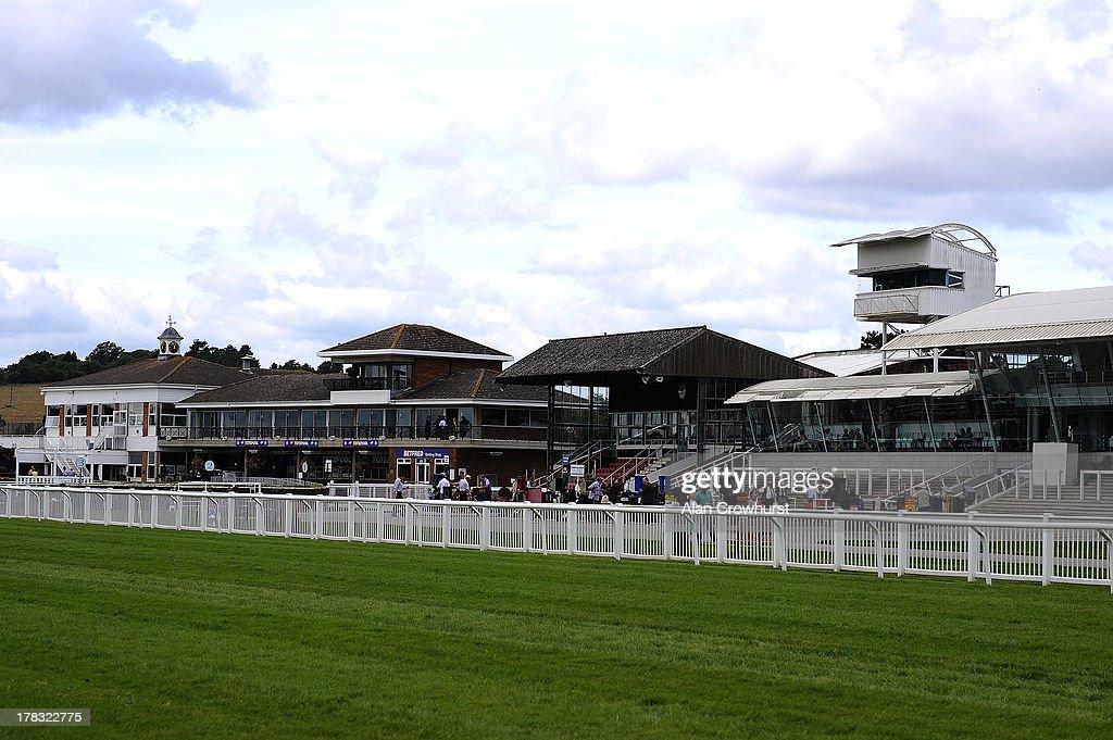 Stratford Races : News Photo