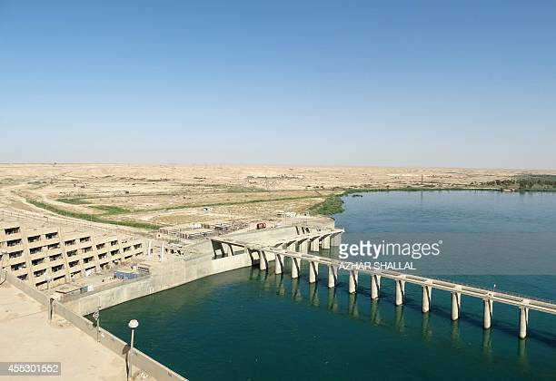 General view of the Haditha dam in the Euphrates River near in the Anbar province on September 10, 2014. AFP PHOTO / AZHAR SHALLAL