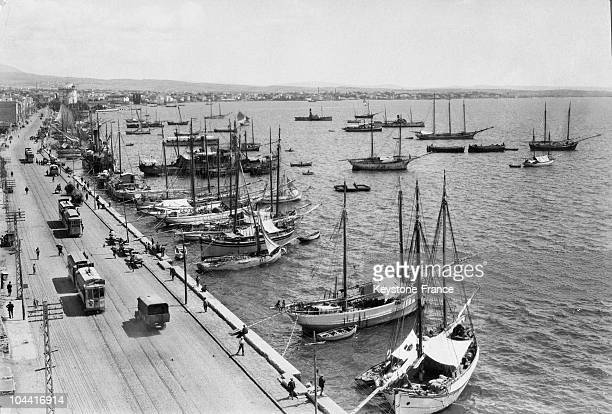 General view of the harbour of Salonica with its sailboats and quays between 1915 and 1930